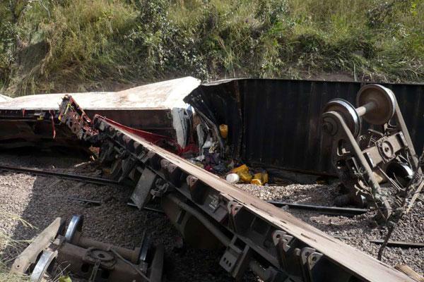 Train crash in DR Congo 'kills 24'